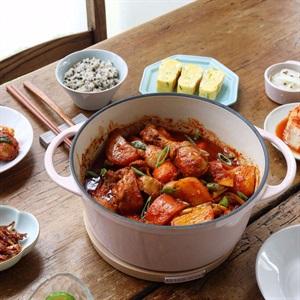 Thịt gà kho tương ớt Hàn Quốc