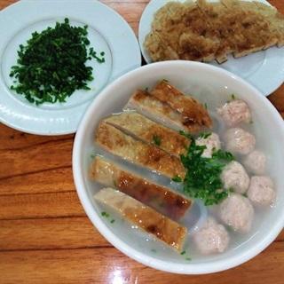Cách nấu bánh canh hẹ chả cá măng