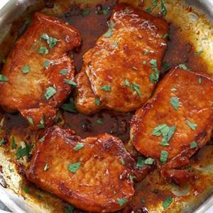Thịt heo chiên thảo mộc