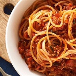 Cách làm mì Ý sốt cà chua bò bằm