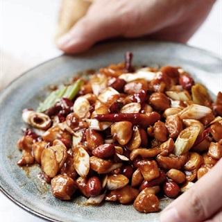 Cách làm thịt gà xào đậu phộng Trung Quốc