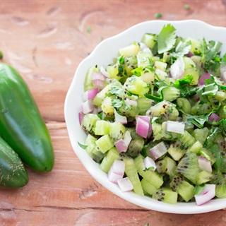 Cách làm Salad kiwi hành tây
