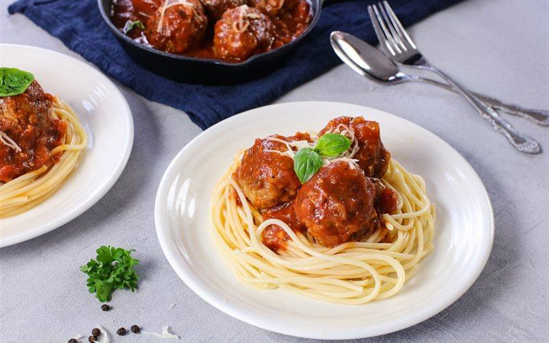 Cách làm Mì Ý thịt viên sốt cà chua
