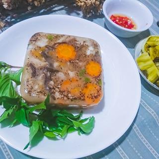 Cách làm Thịt Đông đơn giản với tai heo, chân giò, mộc nhĩ