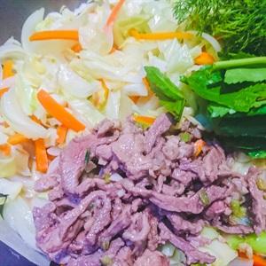 Bắp cải xào với thịt bò