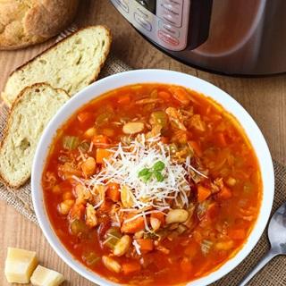 Cách làm Canh cà chua hầm rau củ