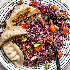 Salad rau củ sốt dầu mè