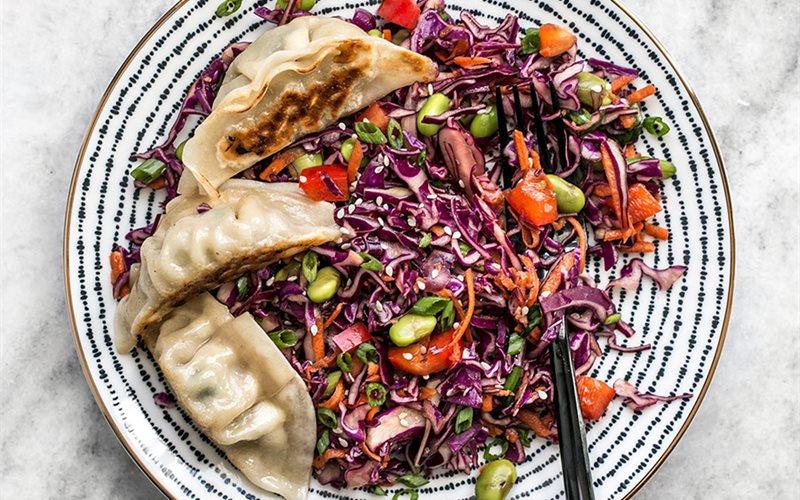 Cách làm salad rau củ sốt dầu mè