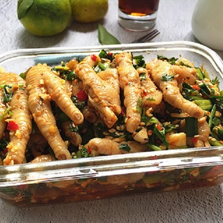 Cách làm Gỏi chân gà chua cay và béo thơm