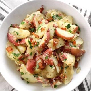 Cách  làm khoai tây luộc trộn giấm bacon