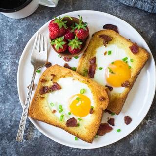 Cách làm Bánh mì nướng trứng thịt xông khói