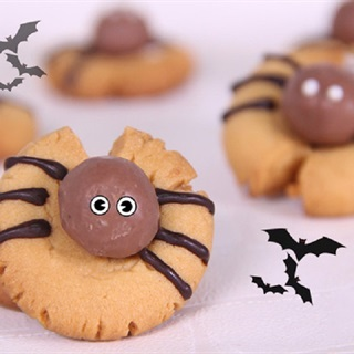Cách làm bánh quy con nhện cho Halloween