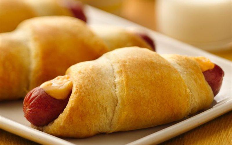 Cách làm bánh xúc xích phô mai nướng