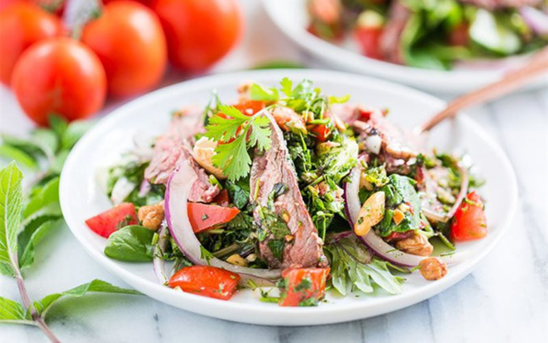 Cách làm salad bò rau củ