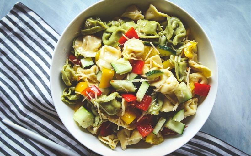 Cách làm Salad Pasta rau củ