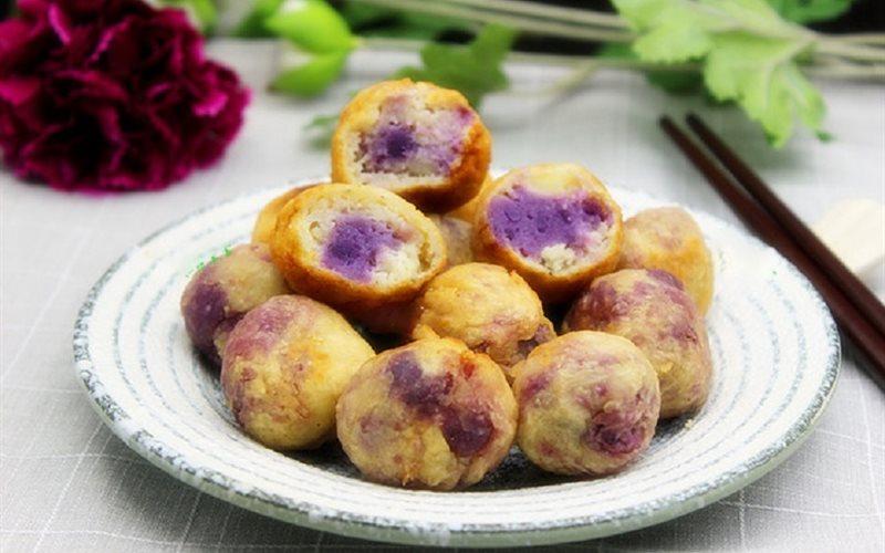 Cách làm bánh khoai tây nhân khoai lang tím chiên giòn