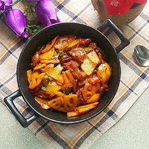 Thịt bò xào củ sen khoai tây cay thơm