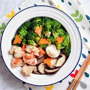 Bông cải xanh xào nấm đông cô và tôm thịt