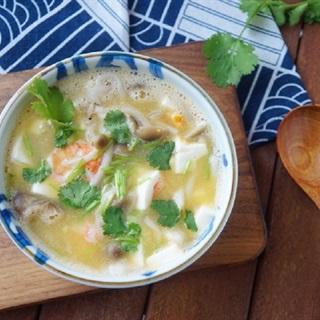 Cách nấu súp đậu hũ tôm và nấm linh chi nâu