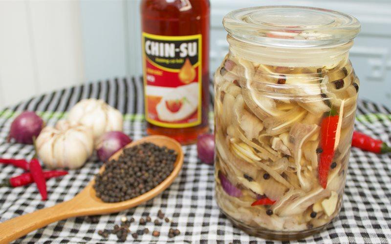 Cách làm Tai Heo Ngâm Nước Mắm chua ngọt sần sật ngày Tết