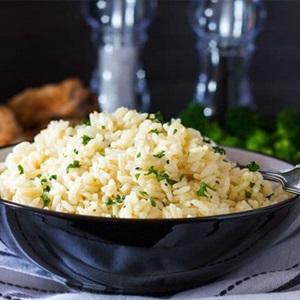 Cơm nấu bơ thảo mộc