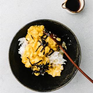Cách làm Cơm trứng chiên kiểu Nhật