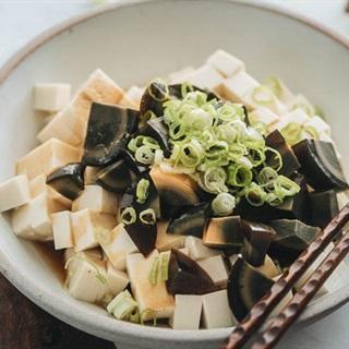 Cách làm Salad trứng bắc thảo đậu hũ