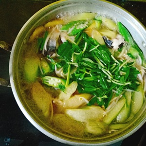 Canh chua nấu cá bông lau