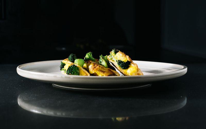Cách làm Bánh Tortilla trứng bông cải xanh
