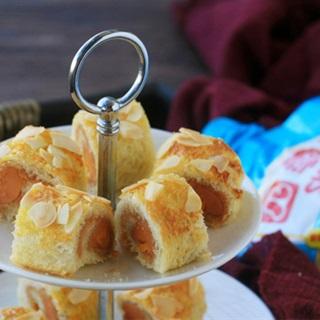 Cách làm Bánh mì cuộn xúc xích bơ đậu