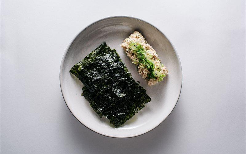 Cách làm Salad cá ngừ tương miso
