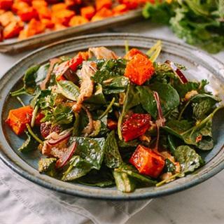 Cách làm Salad ức gà bí đỏ nướng