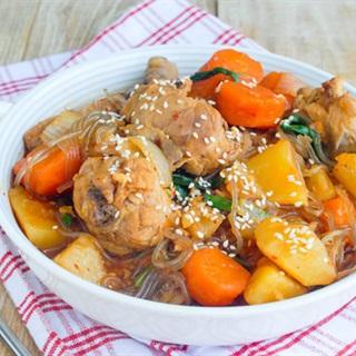Cách làm Miến thịt gà rau củ cay