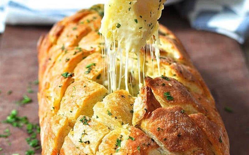 Cách làm Bánh mì nướng phô mai bơ tỏi