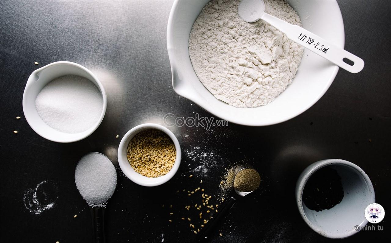 cách làm bánh tiêu chiên mè