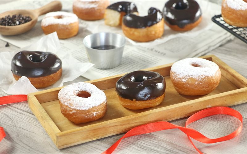 Cách làm Bánh Donut thơm ngon tại nhà không cần lò nướng