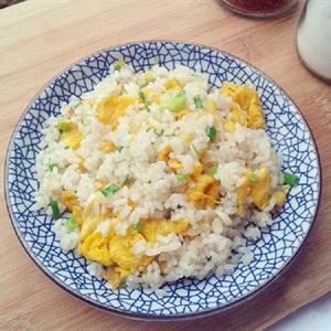 Cơm chiên trứng đơn giản cho bữa sáng