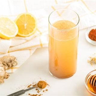 Cách làm Nước detox chanh mật ong quế