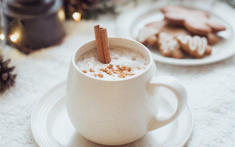 Cách pha Trà sữa thảo mộc - Chai Latte