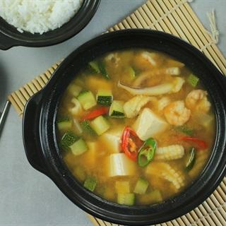 Cách nấu Canh đậu tương hải sản Hàn Quốc