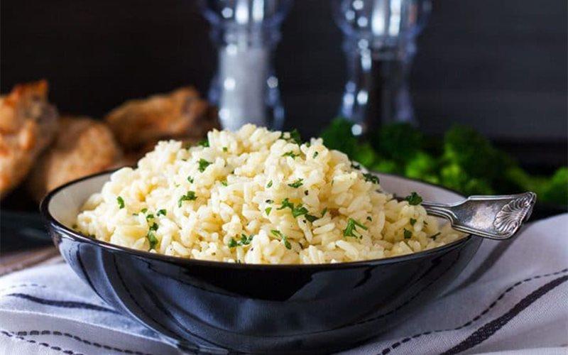 Cách làm Cơm nấu bơ tỏi
