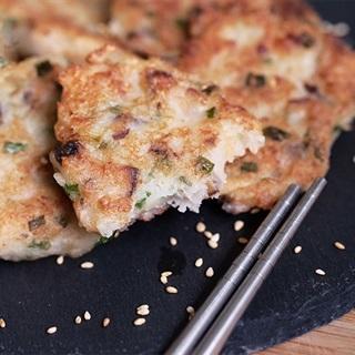 Cách làm Bánh nấm tôm khô chiên giòn