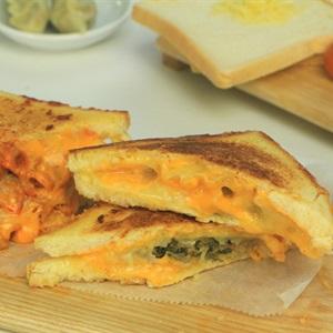 Sandwich mandu phô mai