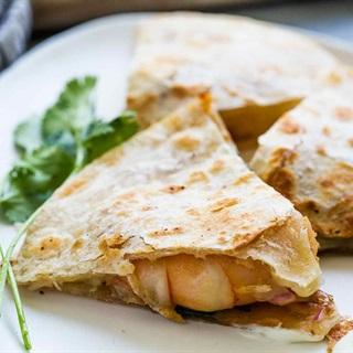 Cách làm Bánh mì Tortilla kẹp tôm