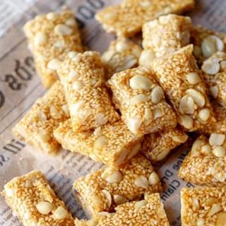 Cách làm Kẹo mè xửng đậu phộng
