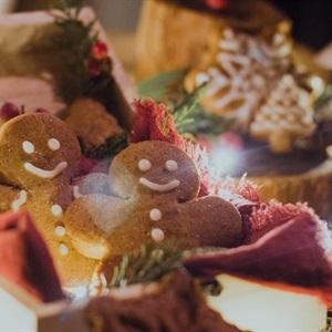Bánh quy gừng - Gingerbread Cookies