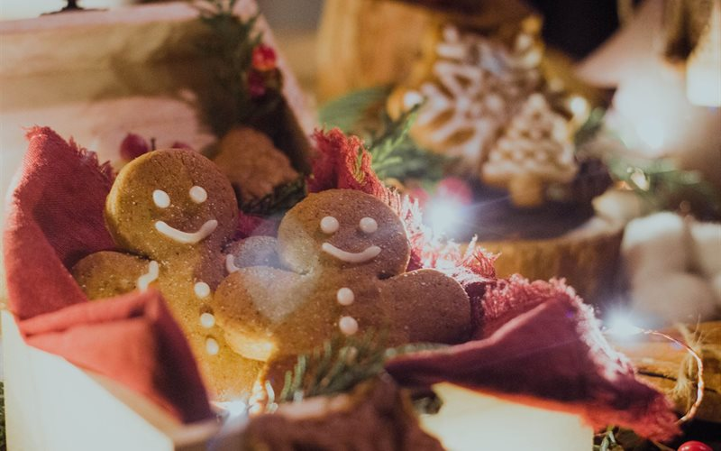 Cách làm Bánh quy gừng - Gingerbread Cookies