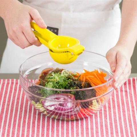 """Salad <a href=""""https://www.rongbienhanquoc.net/san-pham.html"""" _fcksavedurl=""""https://www.rongbienhanquoc.net/san-pham.html"""">rong biển</a> kiểu Nhật"""