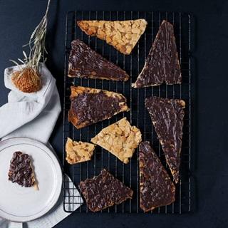 Cách làm Bánh hạnh nhân chocolate