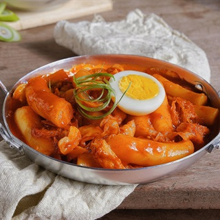 Cách làm Tokbokki Hàn Quốc cay thơm, cho bữa ăn ngày lạnh